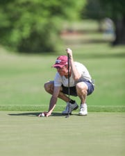 Mississippi State freshman Ford Clegg lines up a putt at the 2019 Old Waverly Collegiate Championship. Clegg tied for 13th at 3-under.