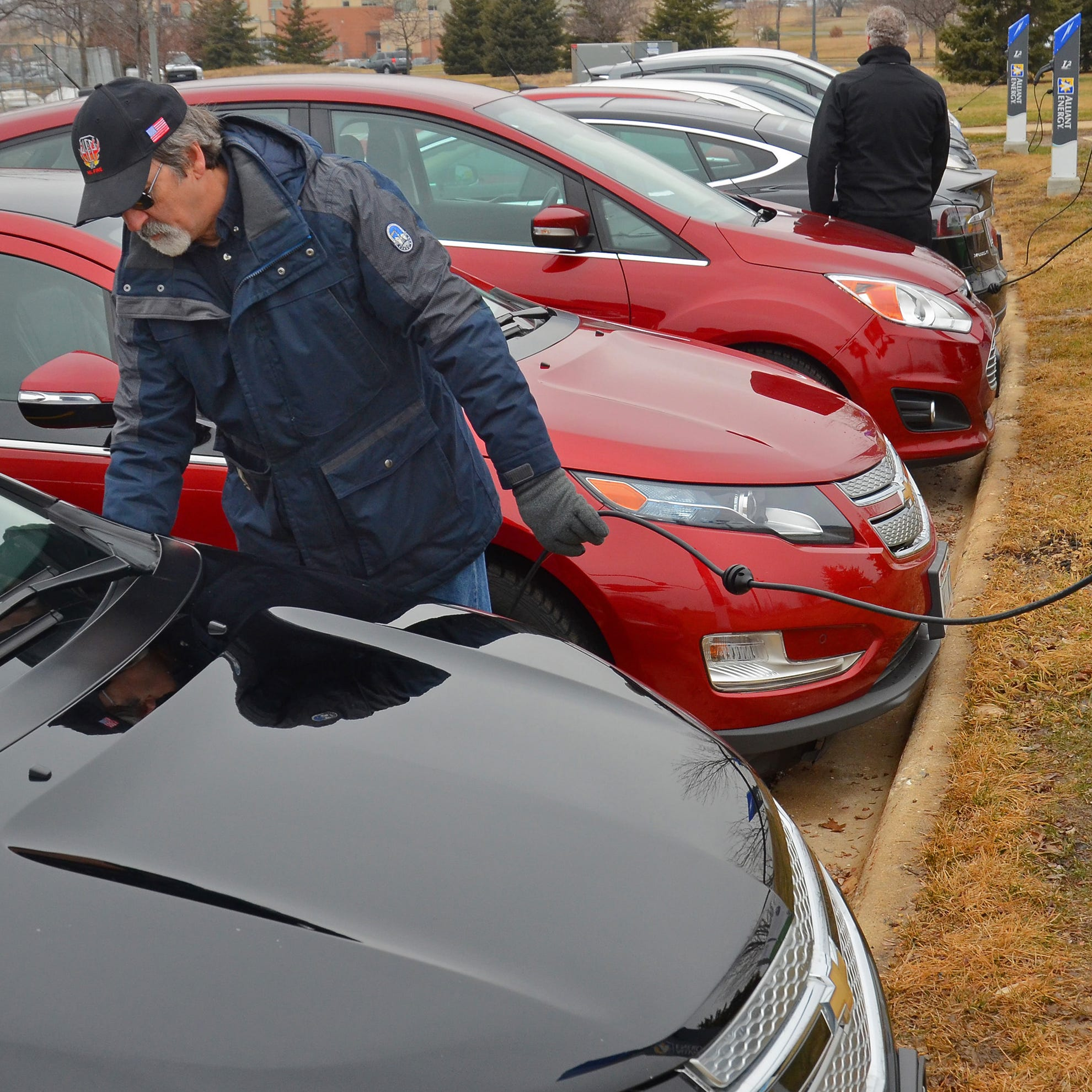 Assembly Republicans on Earth Day back plans for electric vehicle charging stations