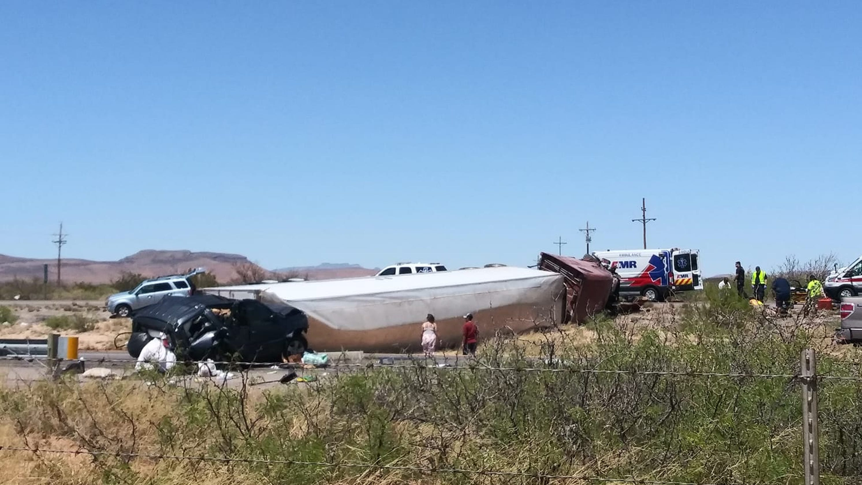 Rollover crash near fairgrounds west of Las Cruces shuts