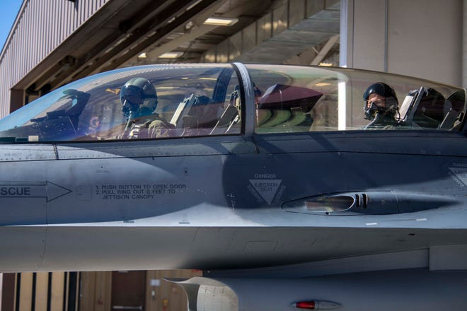 U.S. Army Brig. Gen. Gregory Brady, White Sands Missile Range commander, rides in the back seat of an F-16 Fighting Falcon during a familiarization flight, April 19, 2019, on Holloman Air Force Base, N.M. During his visit, Brady gained a better understanding of the Holloman mission and the capabilities of the F-16.