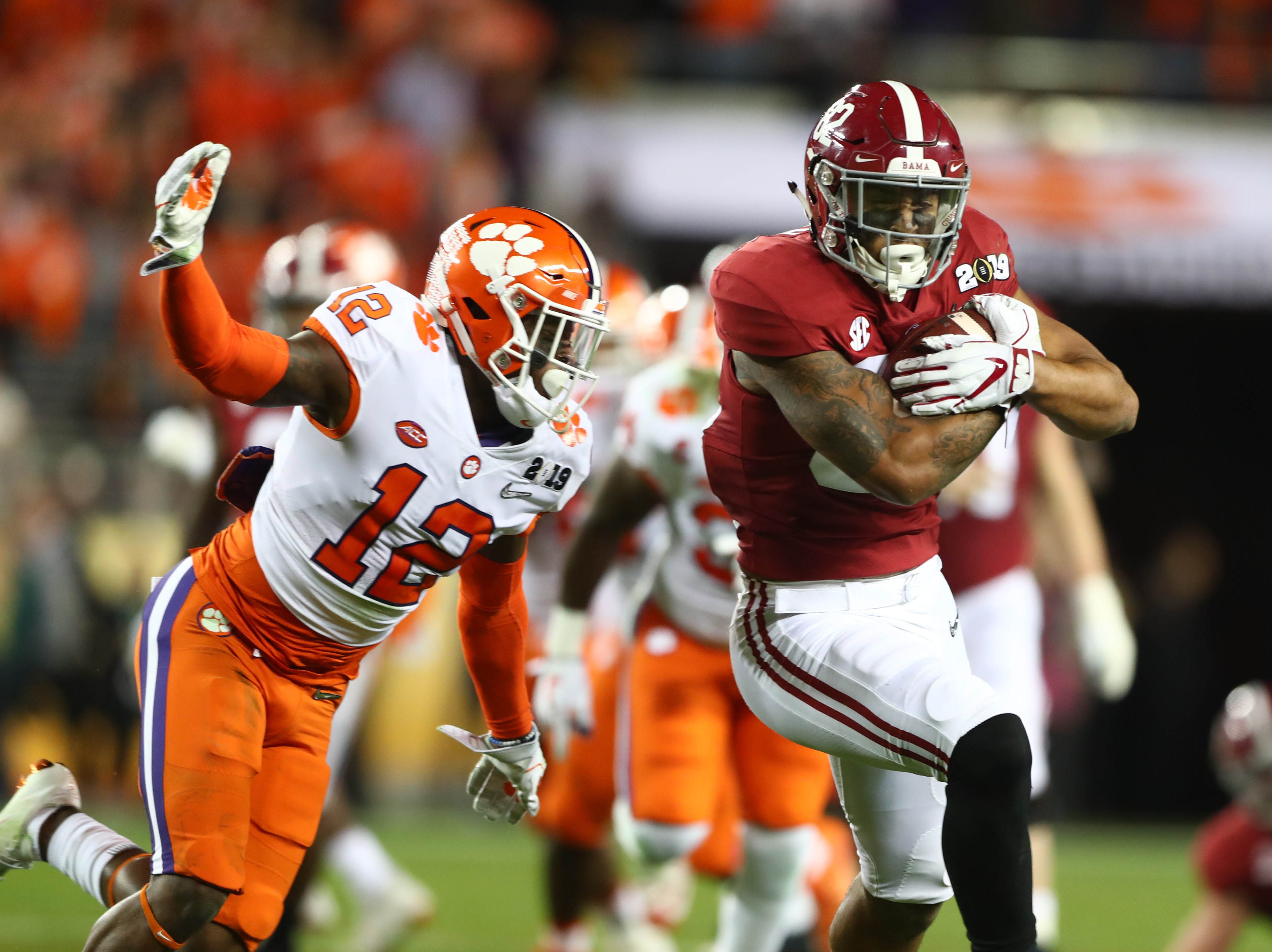 Alabama tight end Irv Smith Jr. catches a pass against Clemson during the College Football Playoff Championship game at Levi's Stadium.