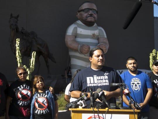 Carlos García ha sido director de Movimiento Puente desde 2011, organización que defiende a la comunidad inmigrante.