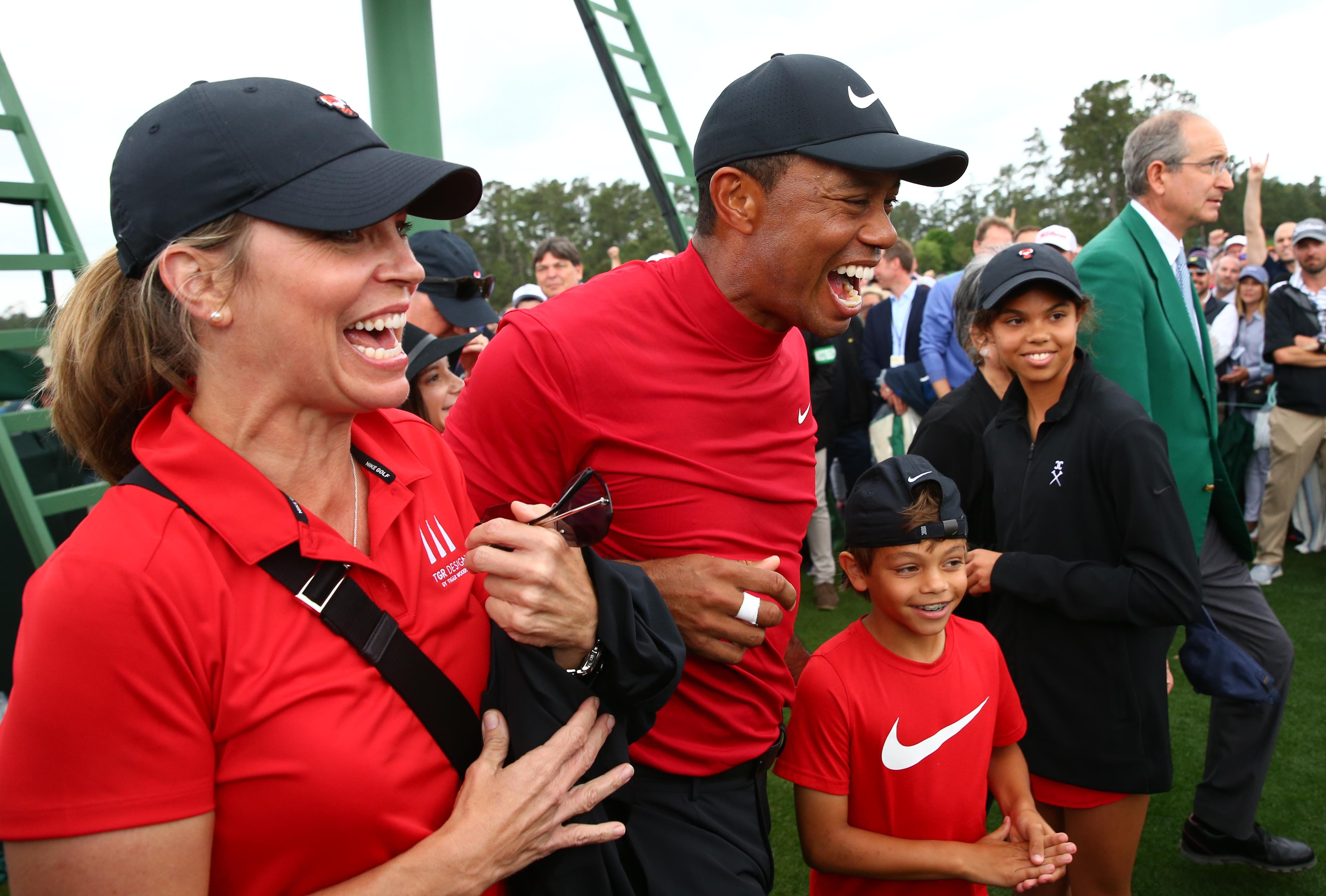 tiger woods u0026 39  masters victory  story behind iconic photos