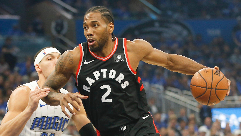 58082b1a899 NBA playoffs  Kawhi Leonard powers Raptors past Magic for 3-1 lead