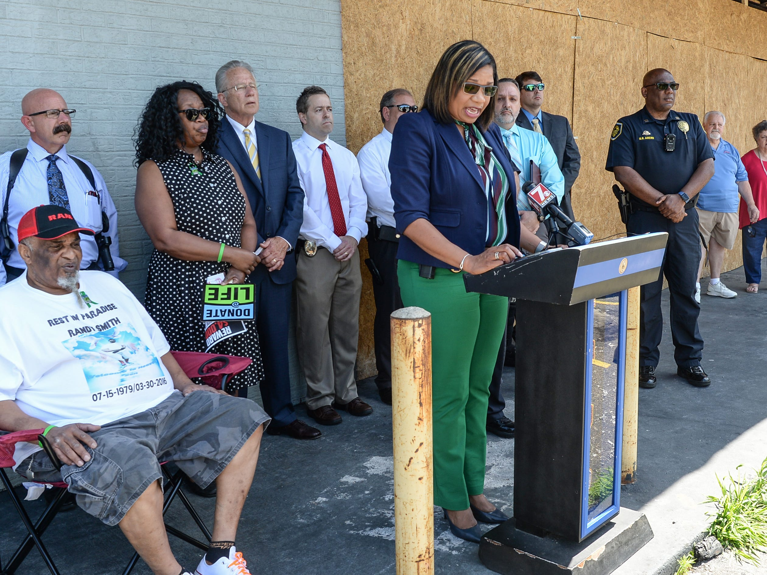 Anderson police Lt. Carla Roberson speaks at a press conference concerning the cold case homicide of Randy Smith on East Whitner Street in Anderson Tuesday. Anderson Area Crime Stoppers held the press conference at the site where Smith died, asking for the public to come forward with any tips.