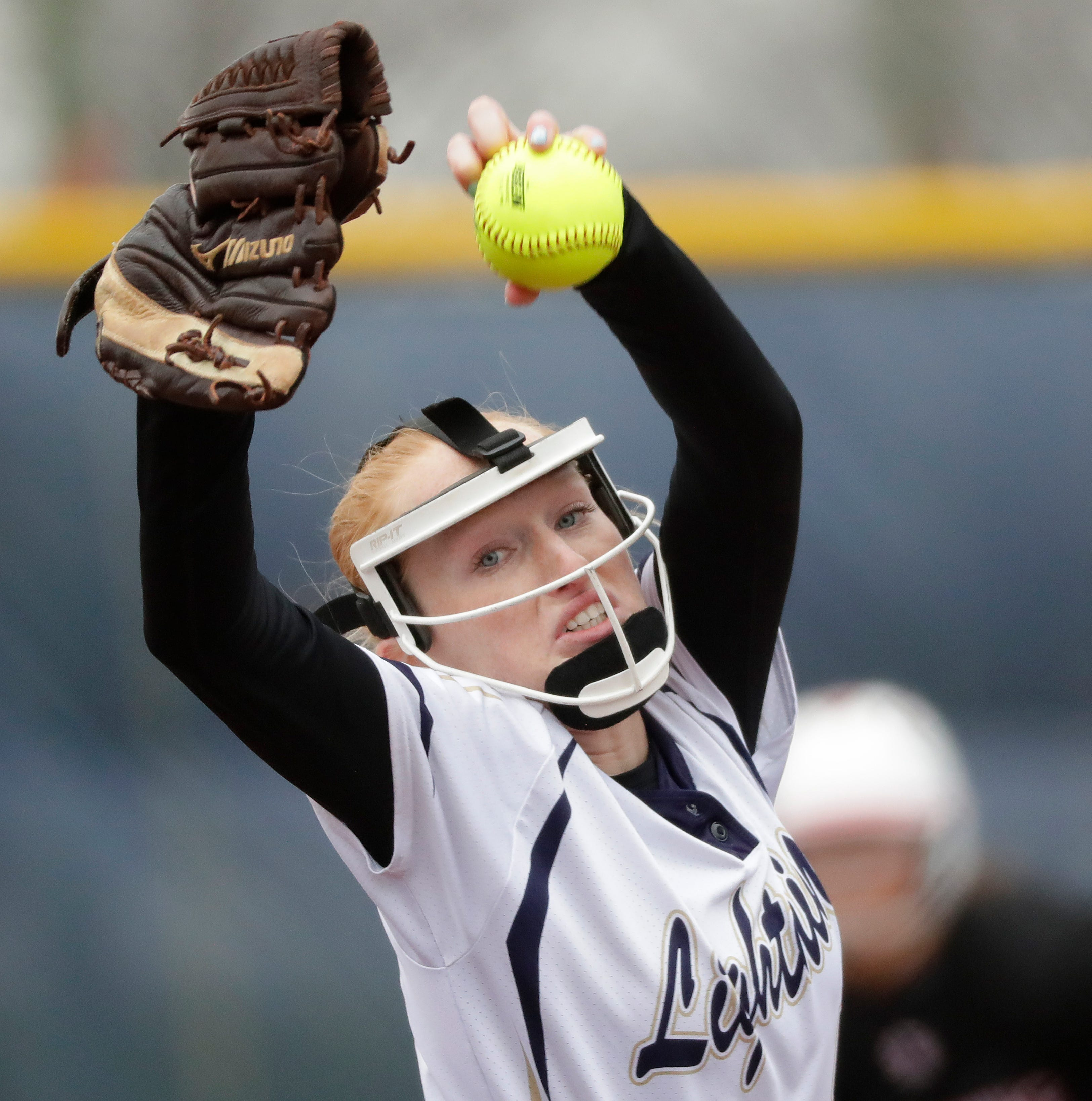 Damaged wrist doesn't keep Appleton North's Bailee Fritz from finishing high school career