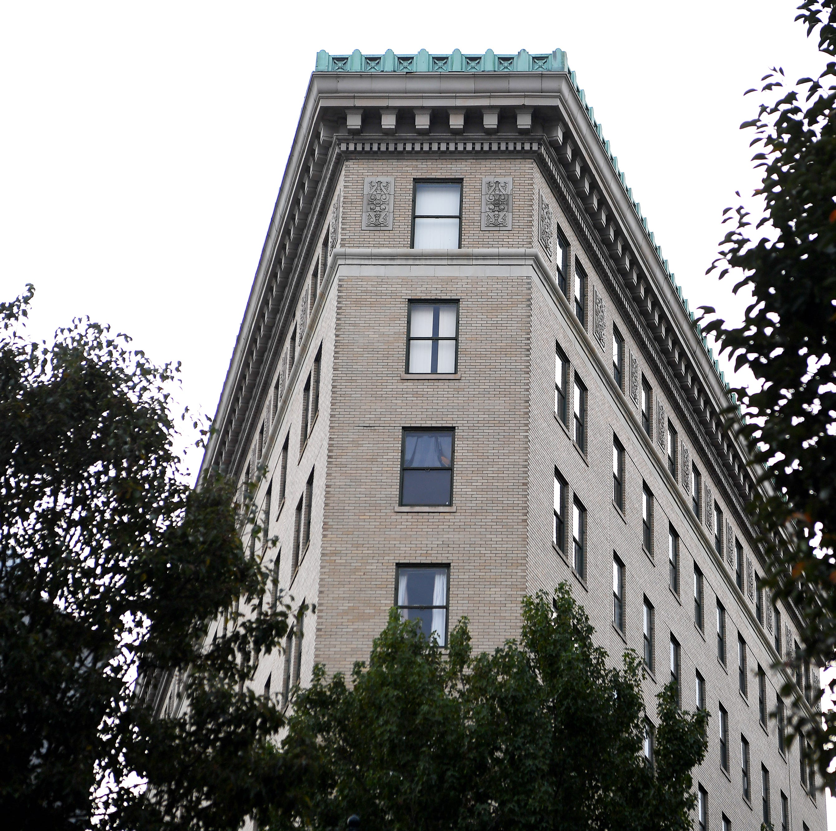 Asheville Flatiron Hotel proposal, facing council rejection, withdrawn prior to vote
