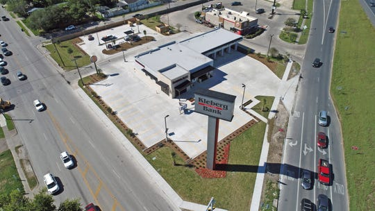 Kleberg Bank will open its newl- built Crosstown location at  3945 Crosstown State Highway 286 on May 6.