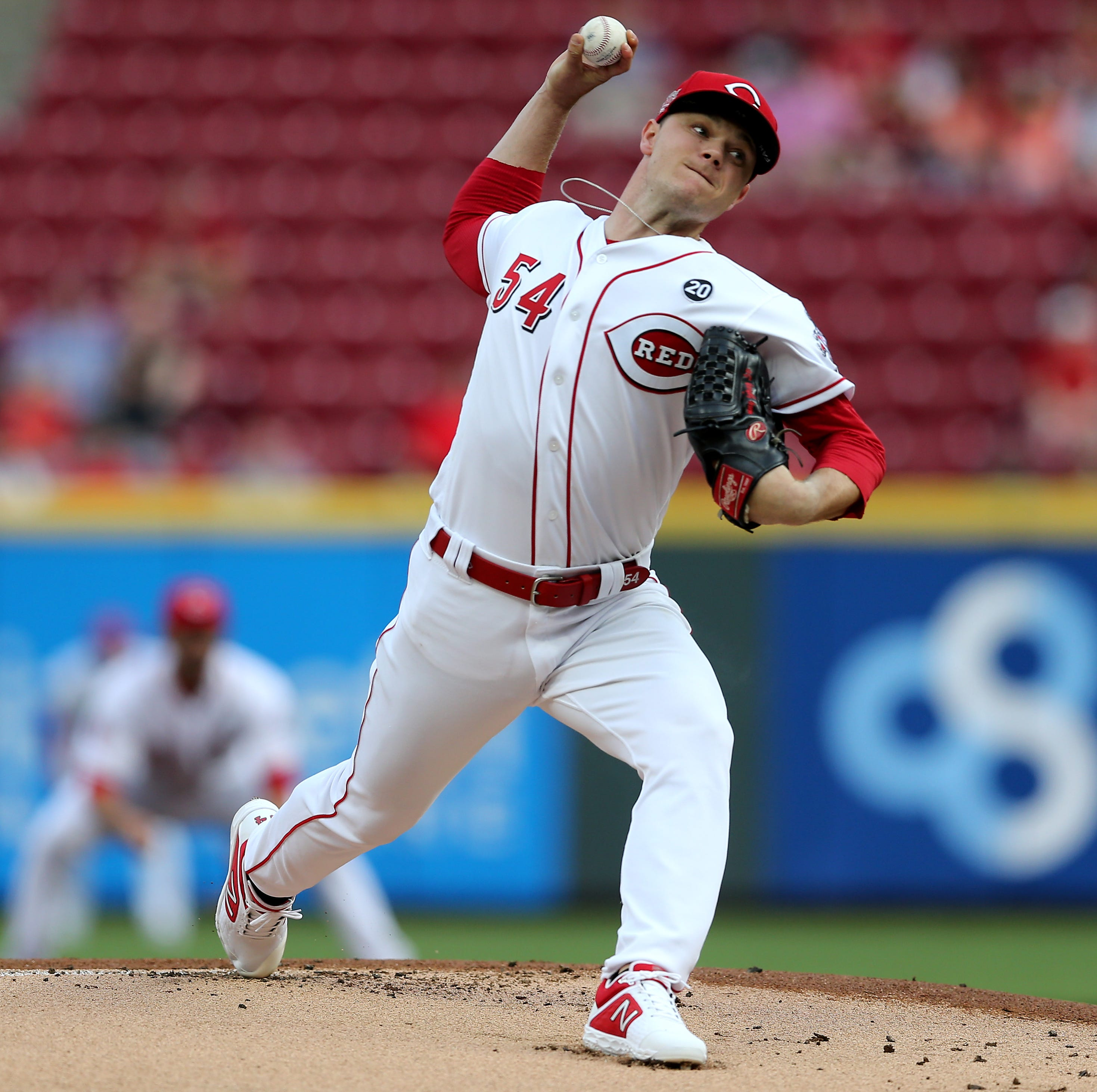 Bats come alive for the Cincinnati Reds in a 7-6 win over the Atlanta Braves