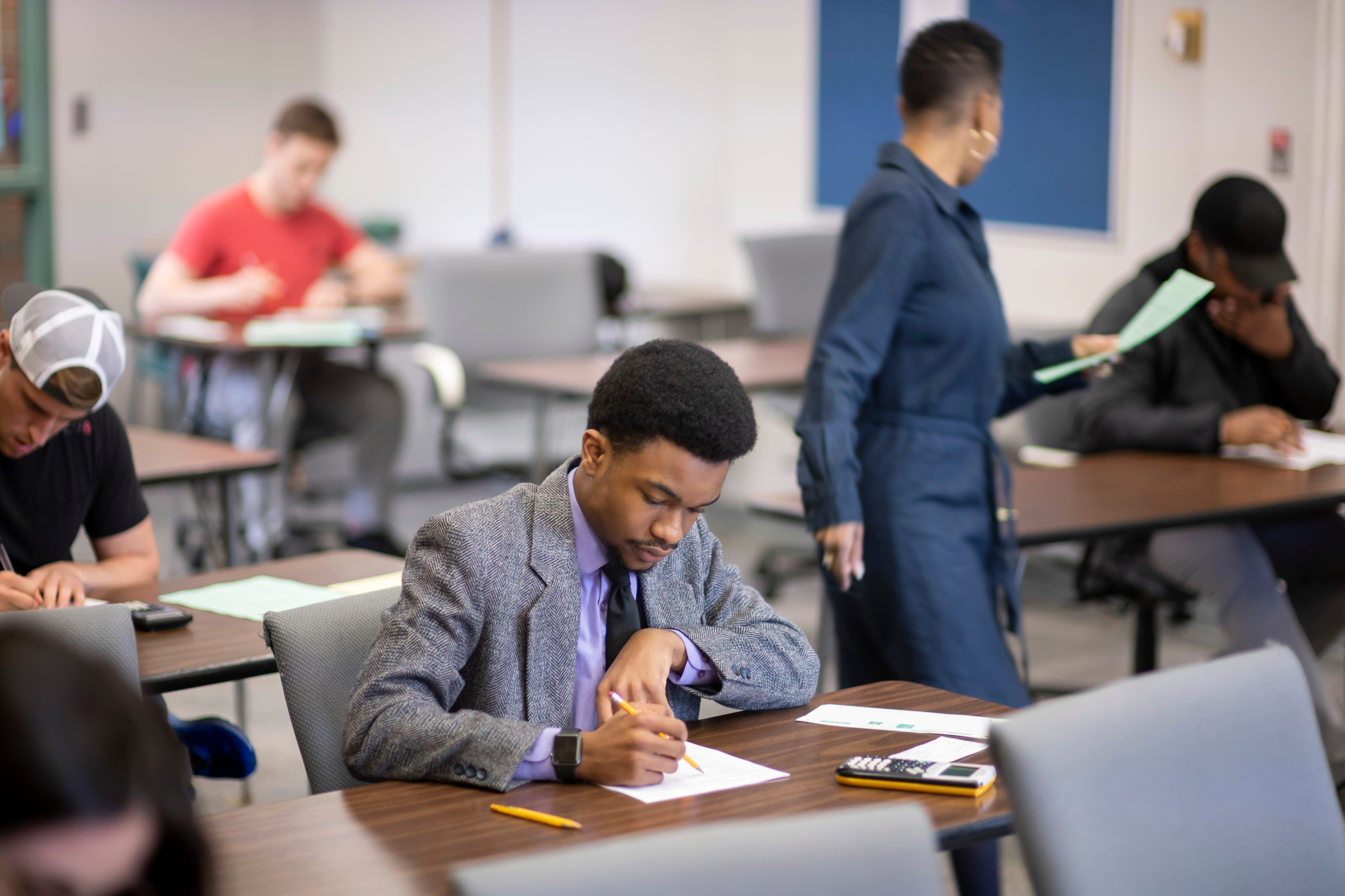Study: Initiative helps Detroit Promise students succeed