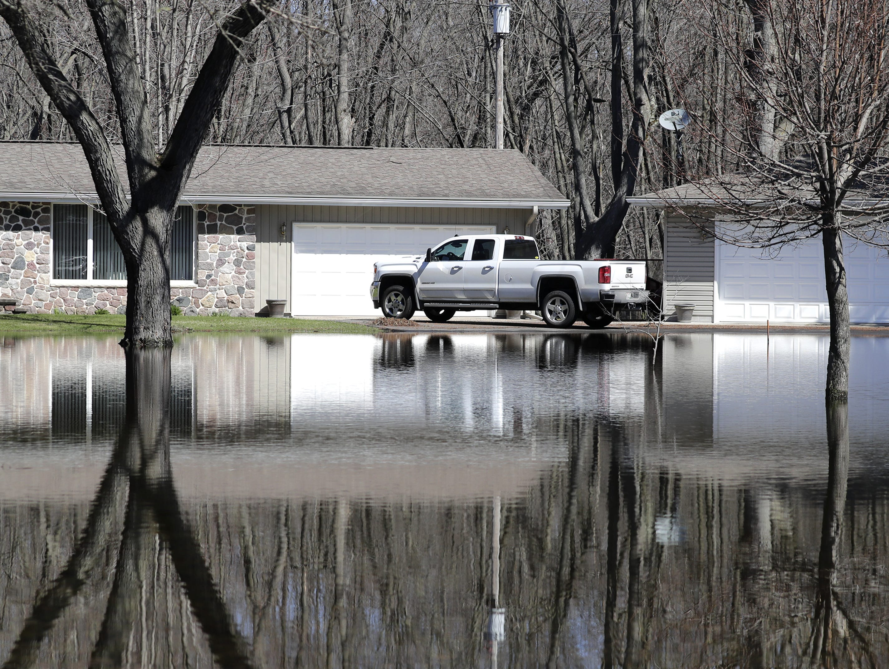 Flooding along the Wolf River on Tuesday, April 23, 2019, in Shiocton, Wis.  Wm. Glasheen/USA TODAY NETWORK-Wisconsin.
