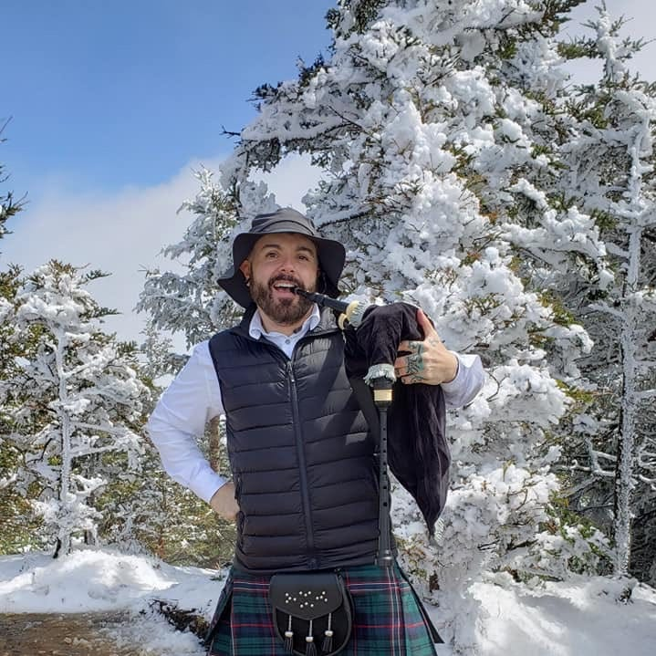 Bagpipe player's 'Amazing Grace' at Mt. Leconte on Easter Sunday is a family tradition