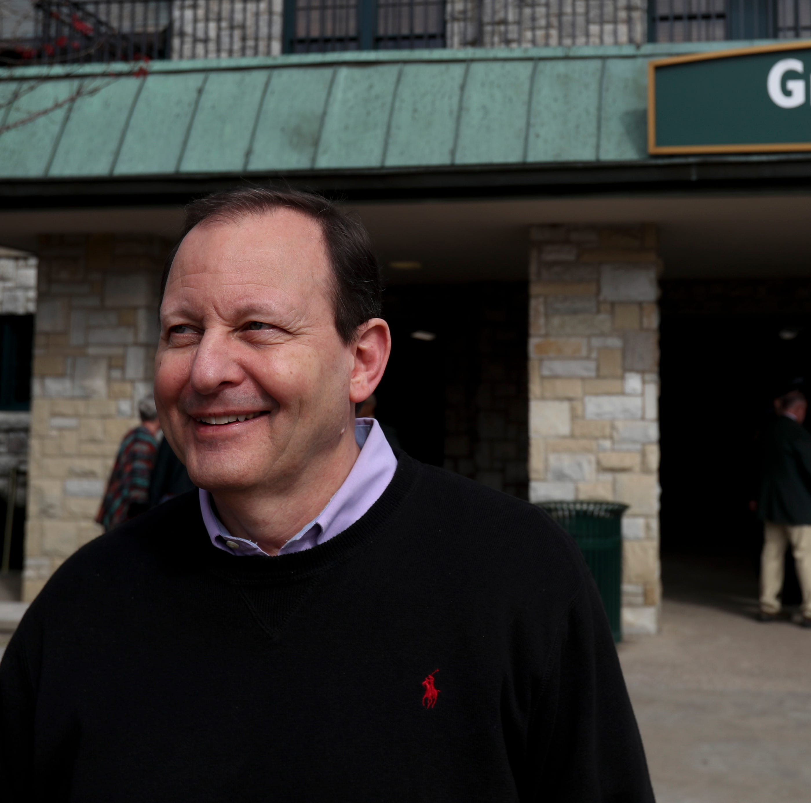 How professional gambler Mike Maloney keeps beating the odds in horse racing