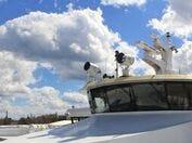 Sunny day at Burger Boat