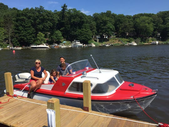 A cabin boat seating up to five will be among the options at Retro Boat MKE.