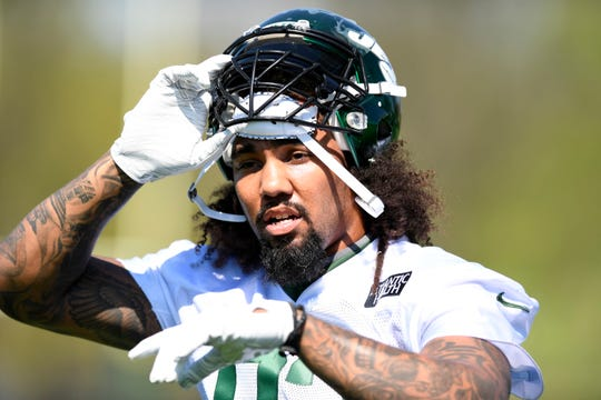 New York Jets linebacker Leonard Williams enters the field for practice on Tuesday, April 23, 2019, in Florham Park.
