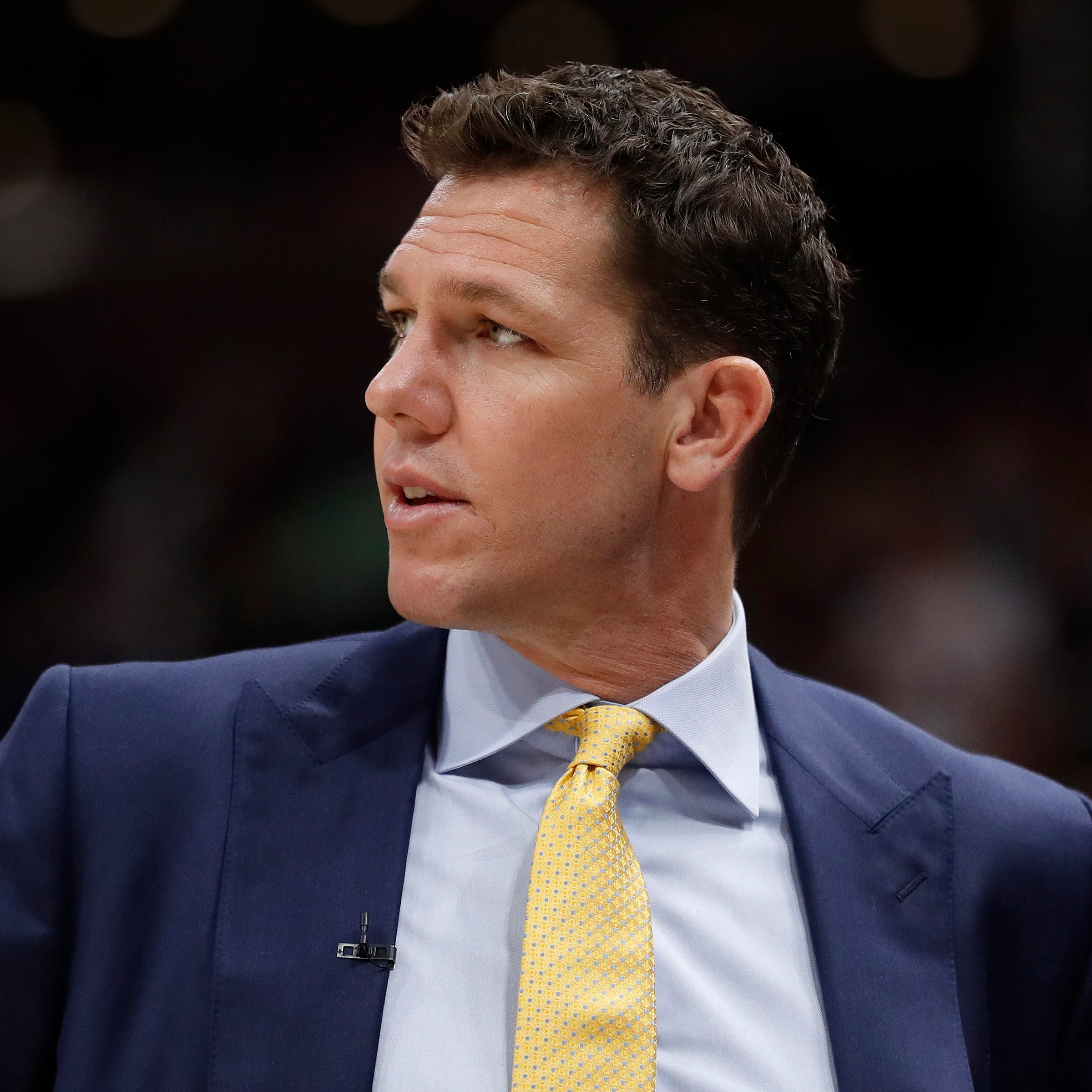 TMZ report: NBA head coach, former Arizona Wildcats player Luke Walton sued for sexual assault by reporter