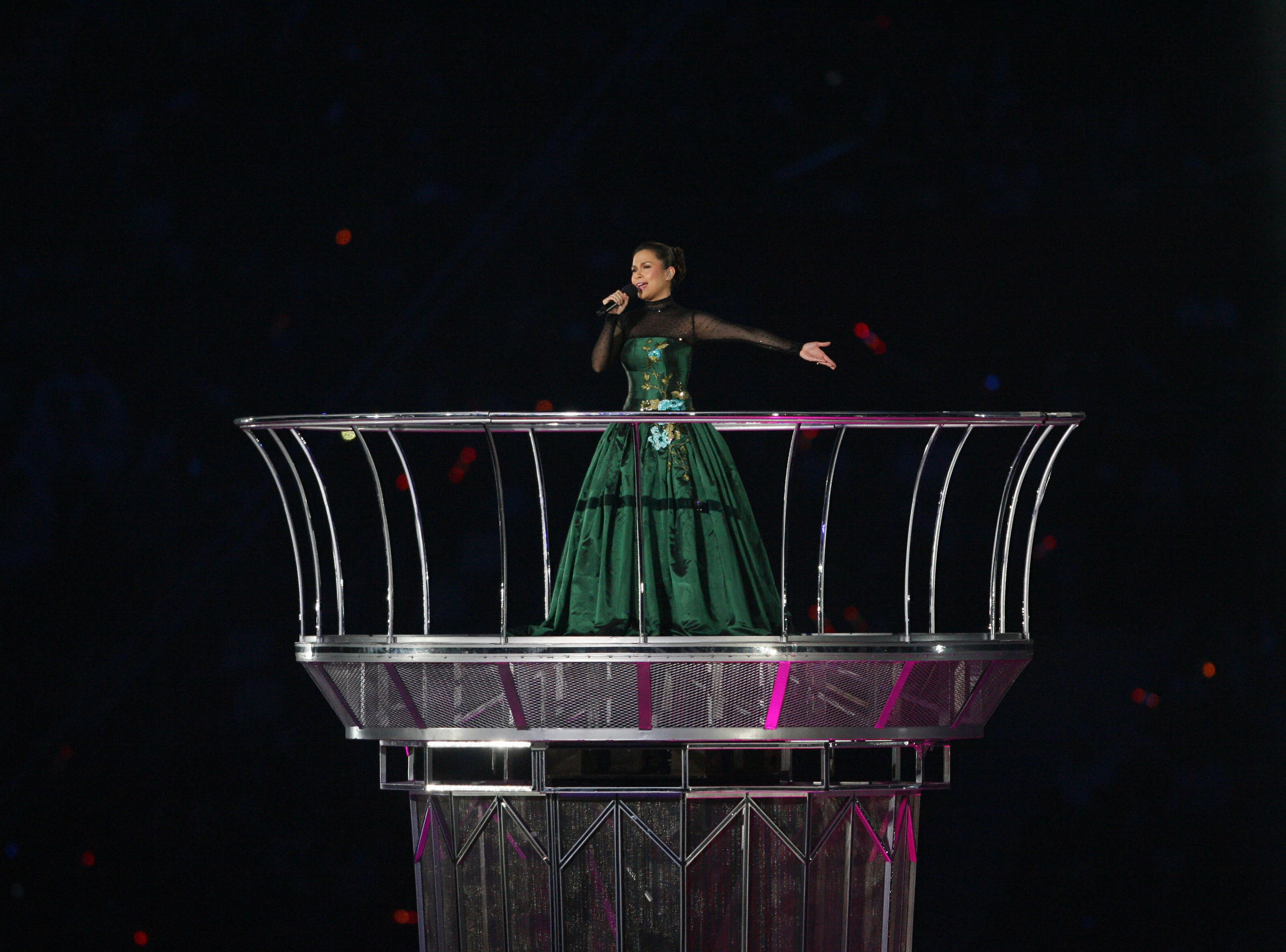 Lea Salonga performs during the closing  ceremony at the 15th Asian Games in Doha on Dec. 15, 2006.