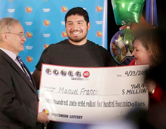Manuel Franco de West Allis, Wisconsin, fue el ganador del 2do premio más grande en la historia de la lotería en Estados Unidos.