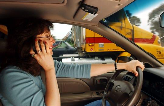 Conducir y usar el teléfono al mismo tiempo ya está prohibido en Arizona.