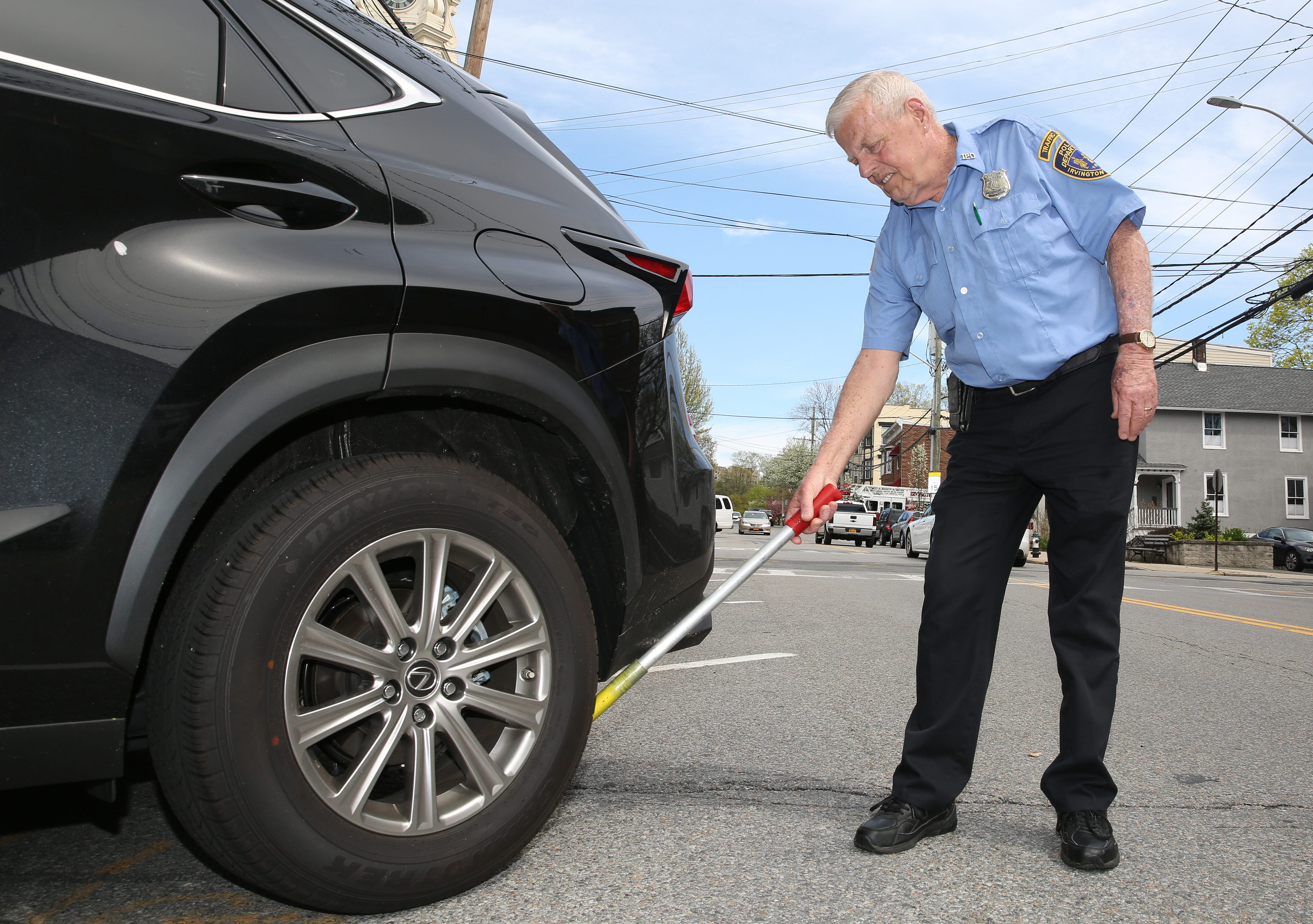 Chalking tires to enforce parking is unconstitutional court says
