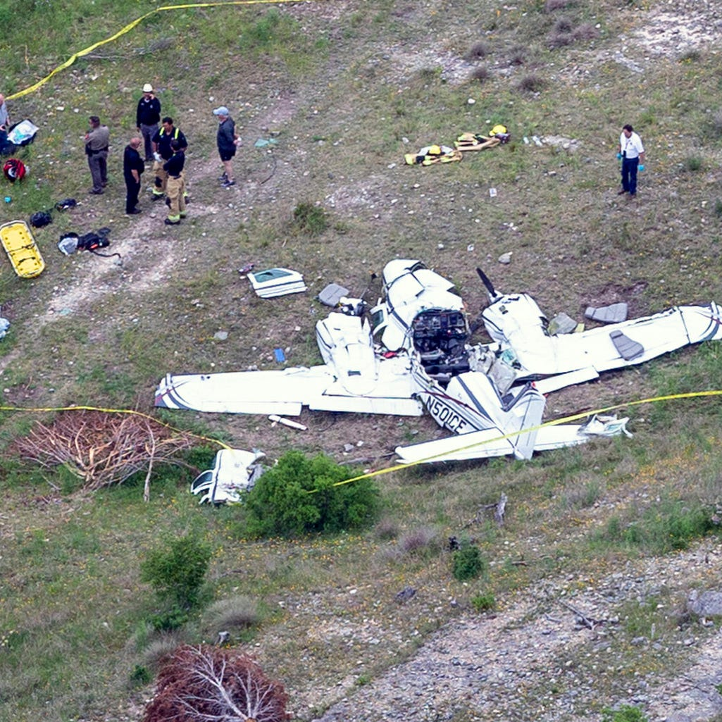 Former New York mayor's great-granddaughter among 6 dead in Texas plane crash
