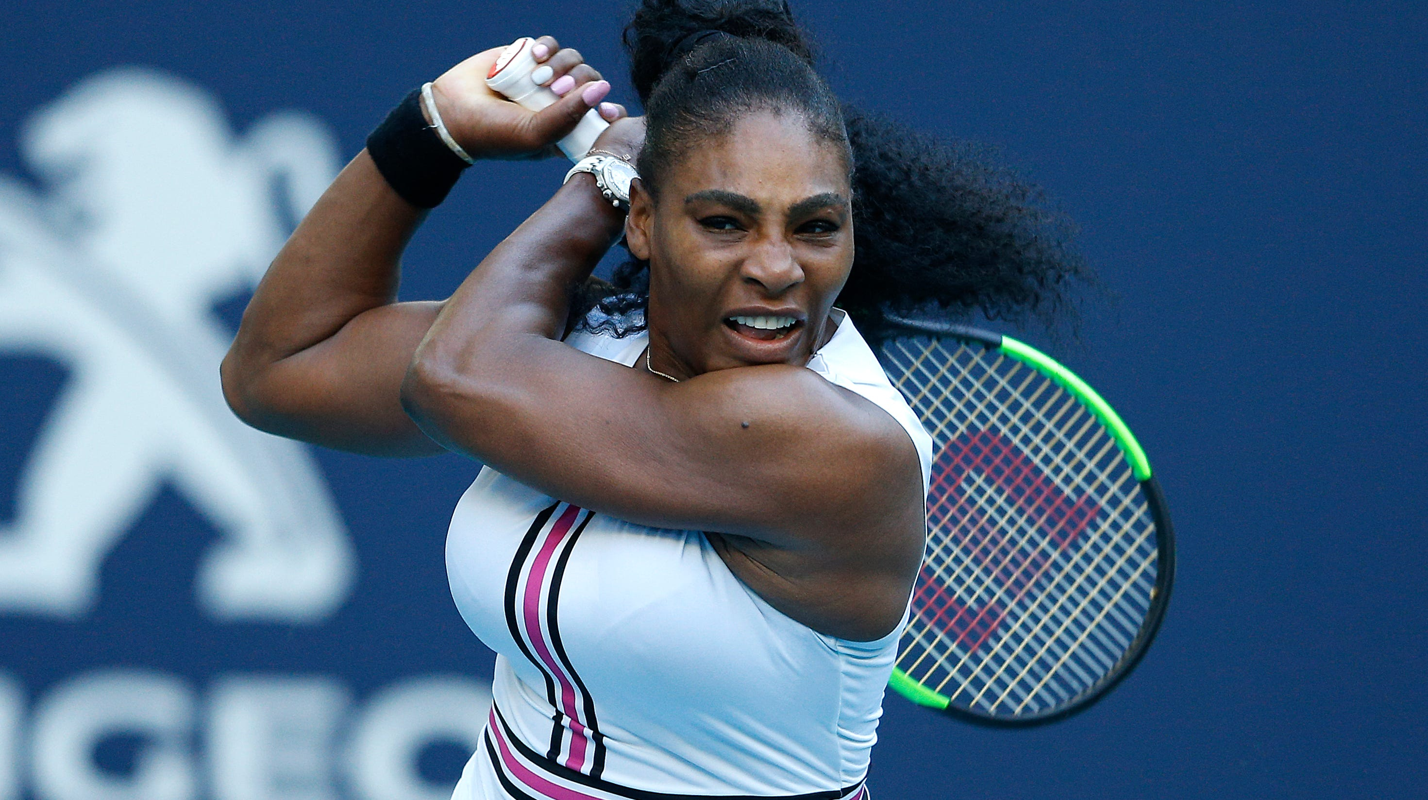 Just like mom: Serena Williams' 1-year-old daughter is a natural with a tennis racket