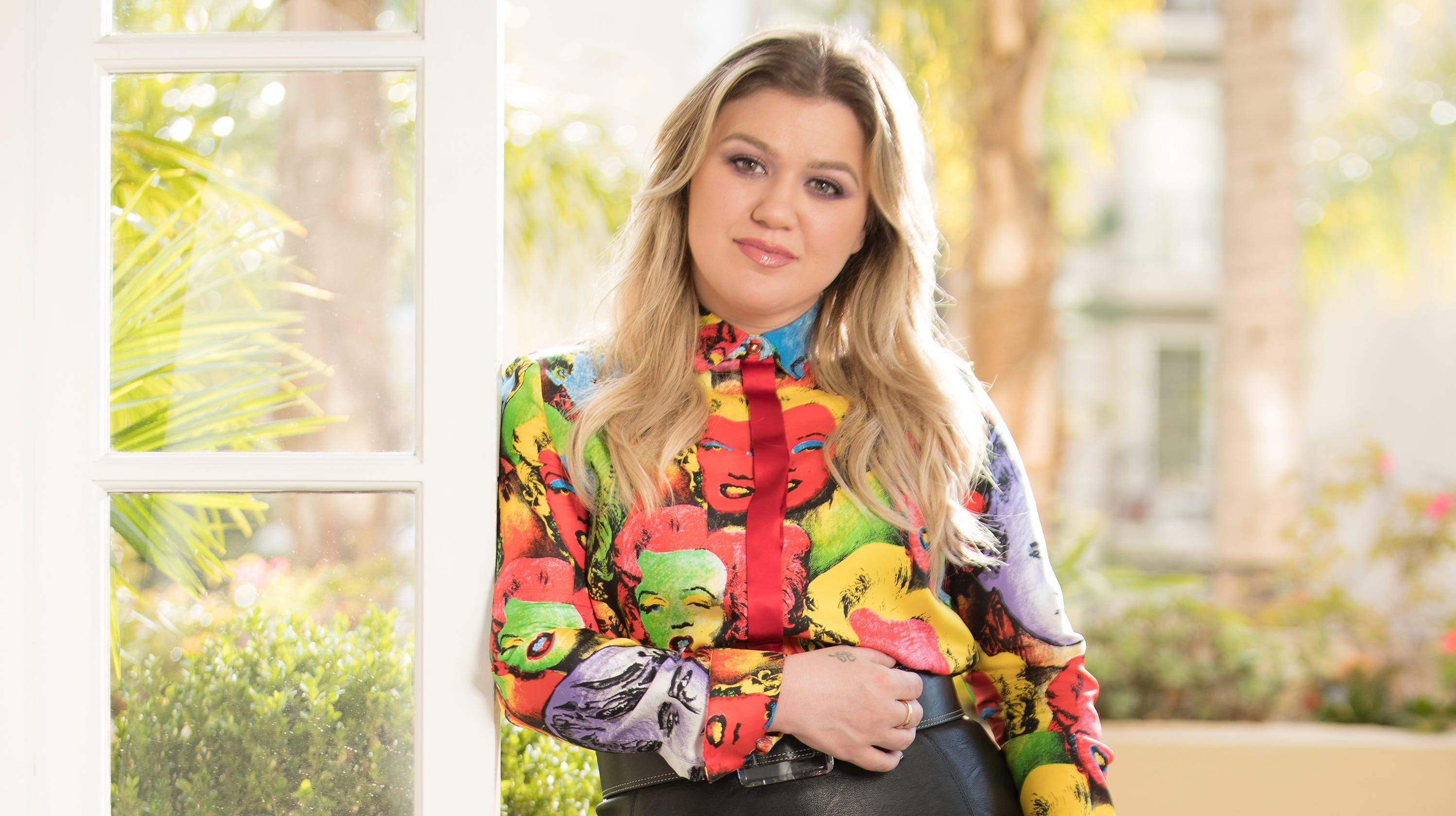 Kelly Clarkson told her kids that she made the Easter baskets, not a bunny