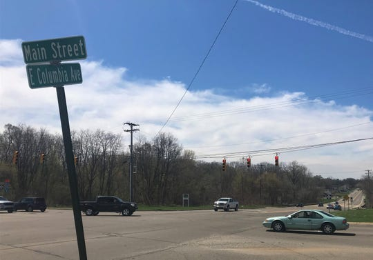 A crooked street sign Columbia Avenue and Main Street. This is one of the intersections with the most number of crashes in Calhoun County.