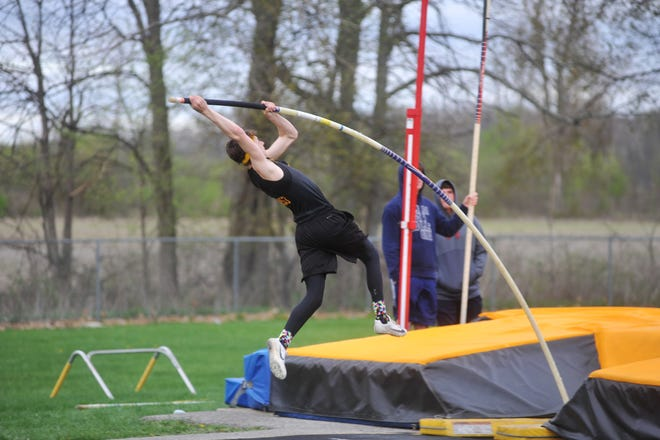 Alex Mutchler leaves the program as the indoor pole vault record holder.