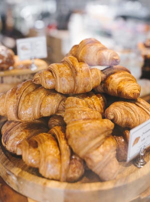 Paris Baguette, a global bakery-café known for its assortment of bread, pastries and cakes, plans to open a location in Cincinnati.