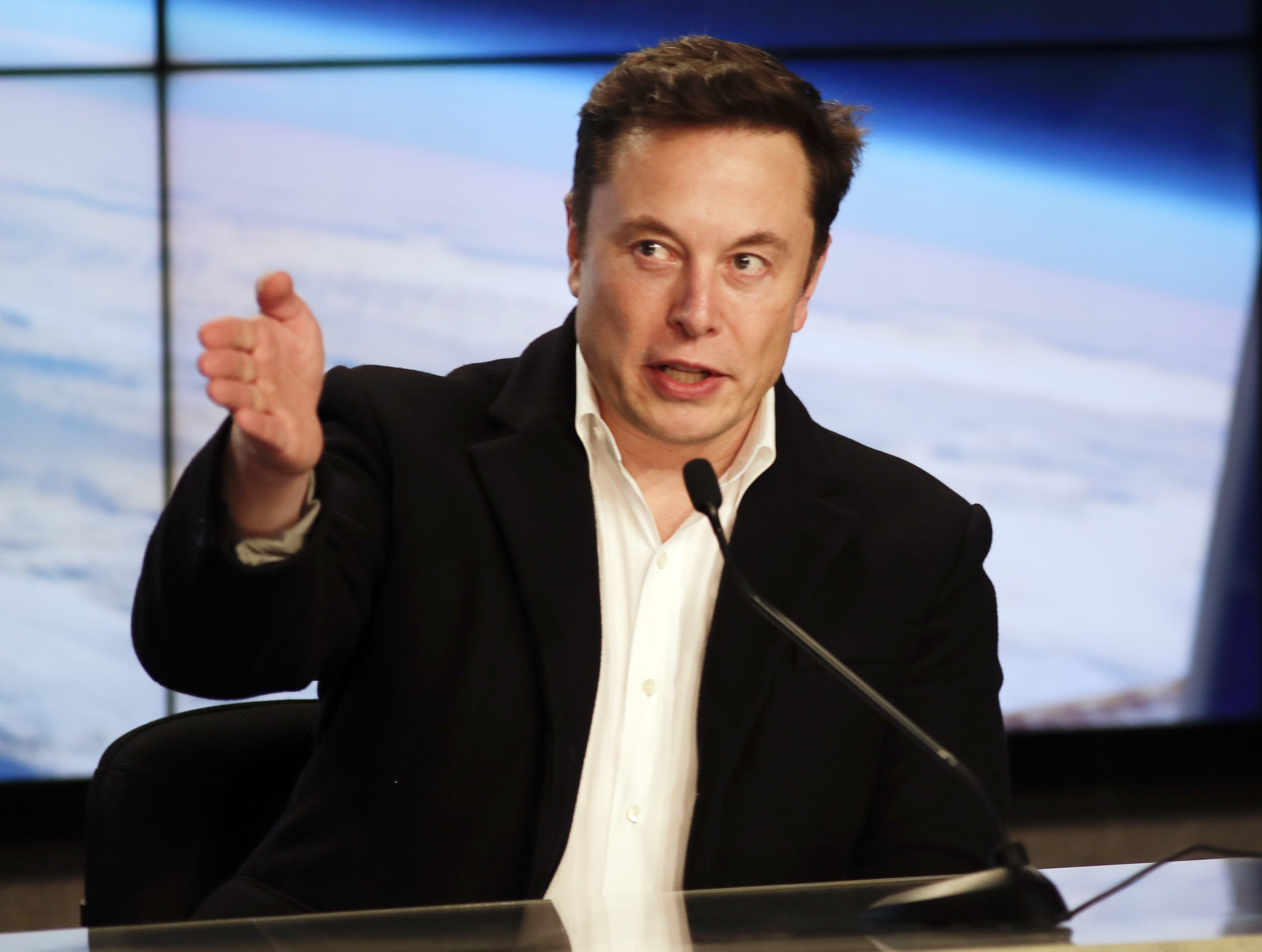 Howes: Tesla's latest dash for cash highlights strength, weakness