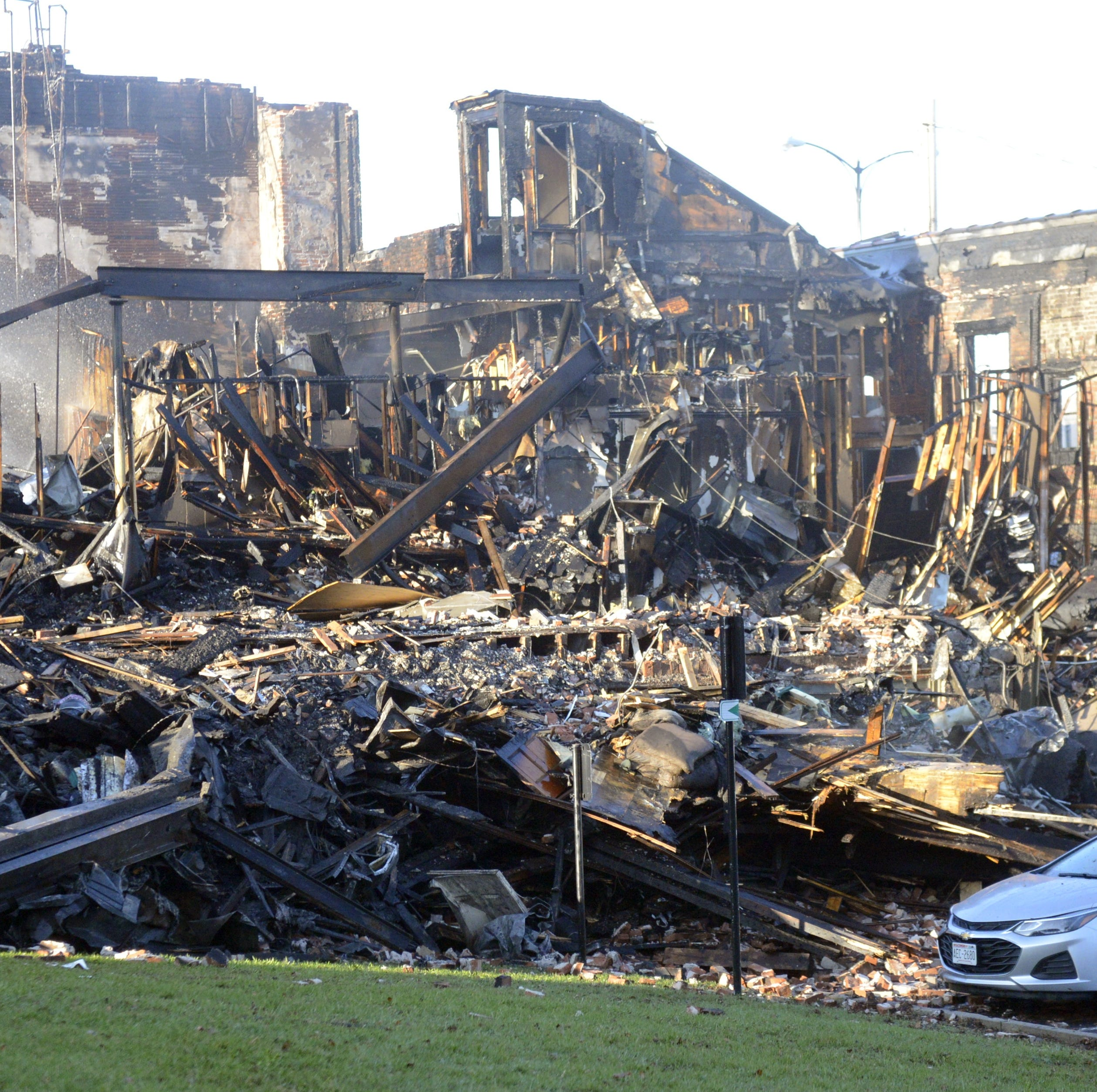 Fire destroys historic, downtown De Pere building, displaces more than 20 people