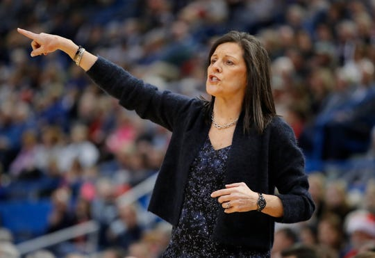 Memphis Lady Tigers head coach Melissa McFerrin during a game on Dec. 31, 2017.