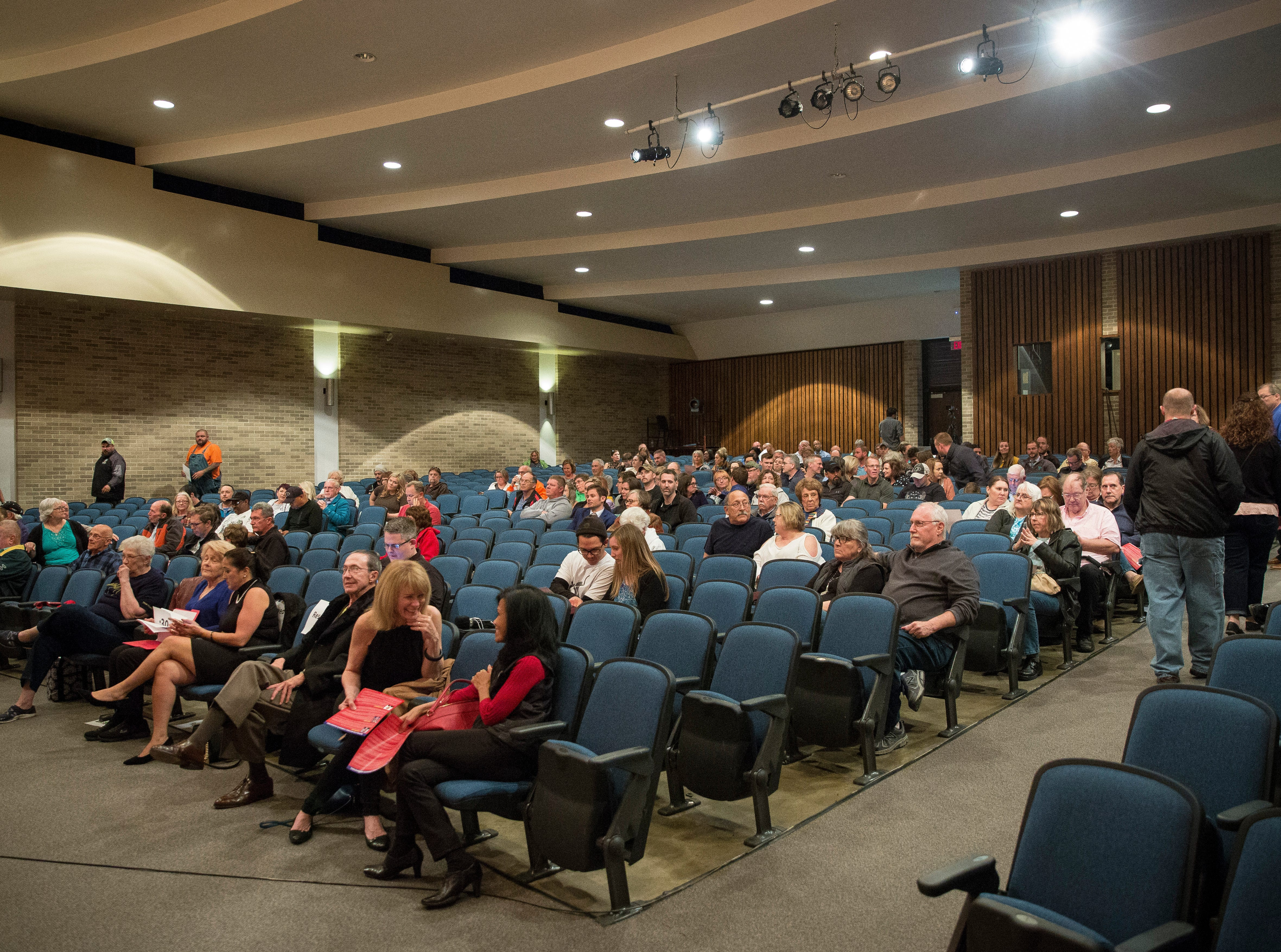 The crowd begins to fill in prior to the start of the Republican mayoral debate on April 23 at Northside Middle School. The primary is on May 7.