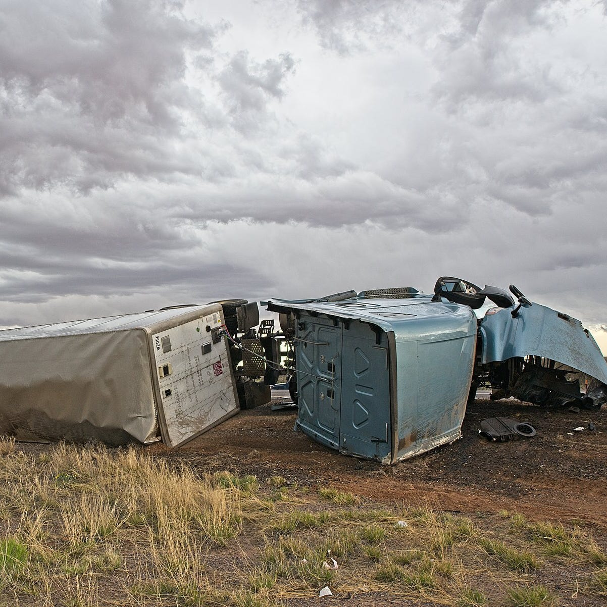 Family witnesses semi-truck crash west of Las Cruces on I-10