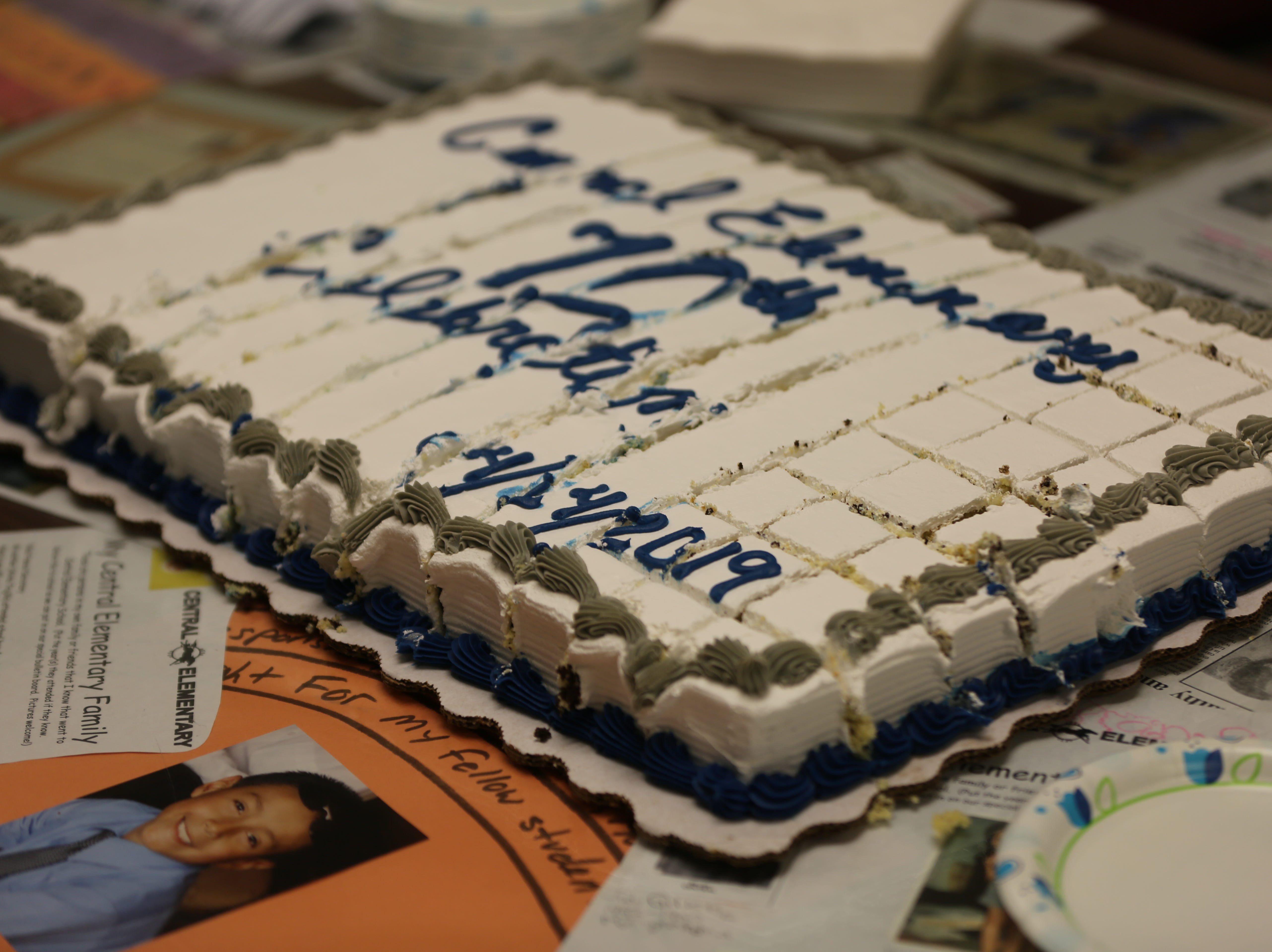 A cake already cut into pieces was made for Central Elementary School's 70th anniversary.