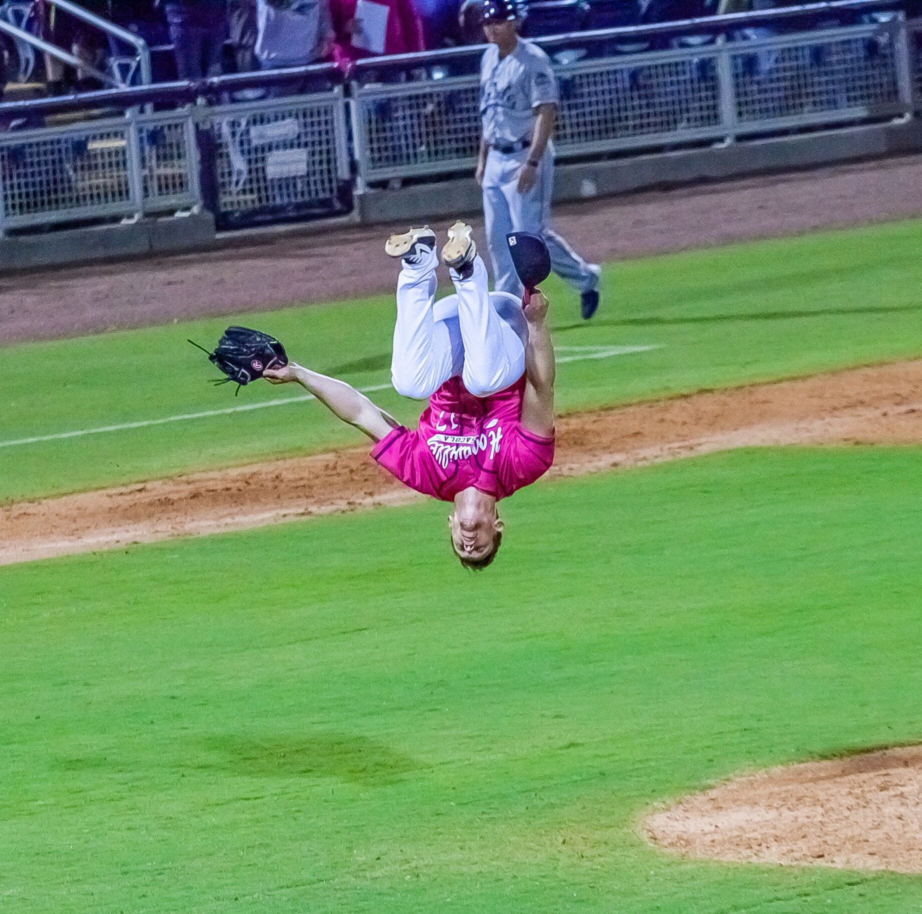 Wahoos pitcher Dusten Knight emulates Ozzie Smith with signature backflip finish