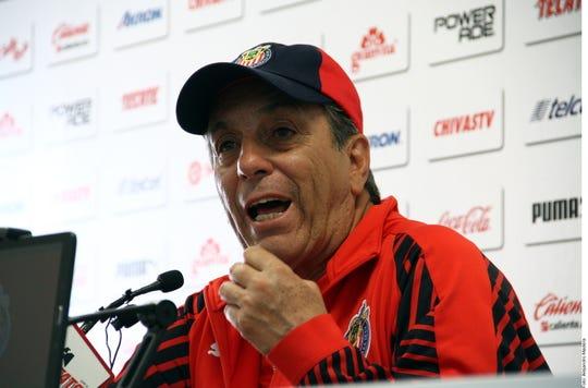 Tomás Boy, D.T. de Chivas.