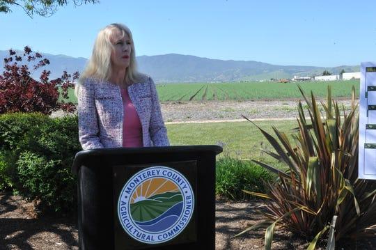 Michelle Rodríguez, superintendente del Distrito Escolar Unificado de Pajaro Valley habló sobre los impactos del proyecto piloto sobre pesticidas, el 24 de abril de 2019.