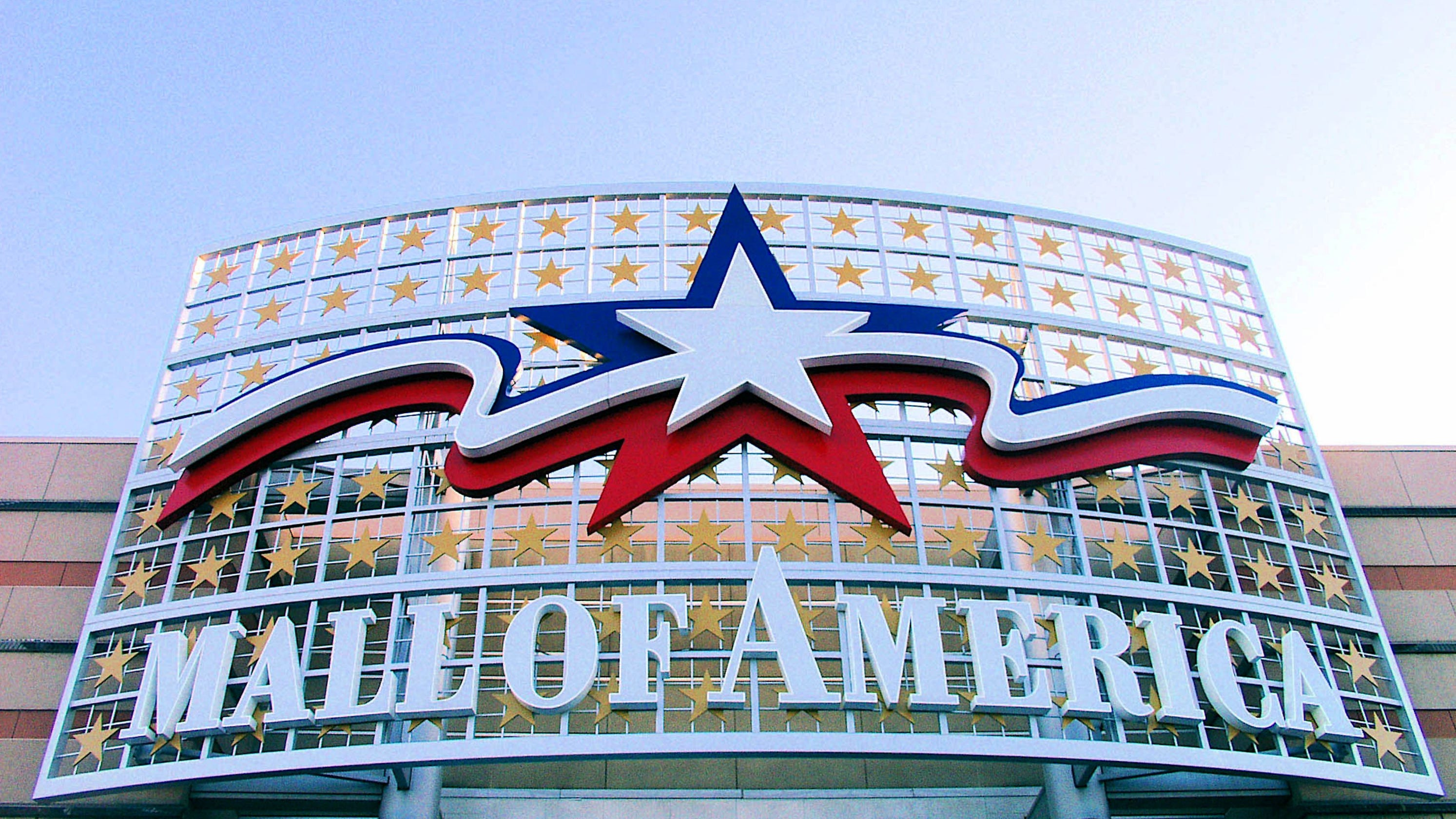 Boy Thrown By Stranger At Mall Of America Shows No Brain