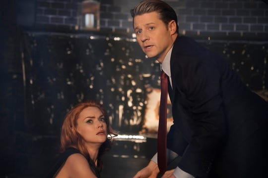 """Jim Gordon (Ben McKenzie, right) comes to the aid of Barbara Kean (Erin Richards) in the series finale of """"Gotham."""""""