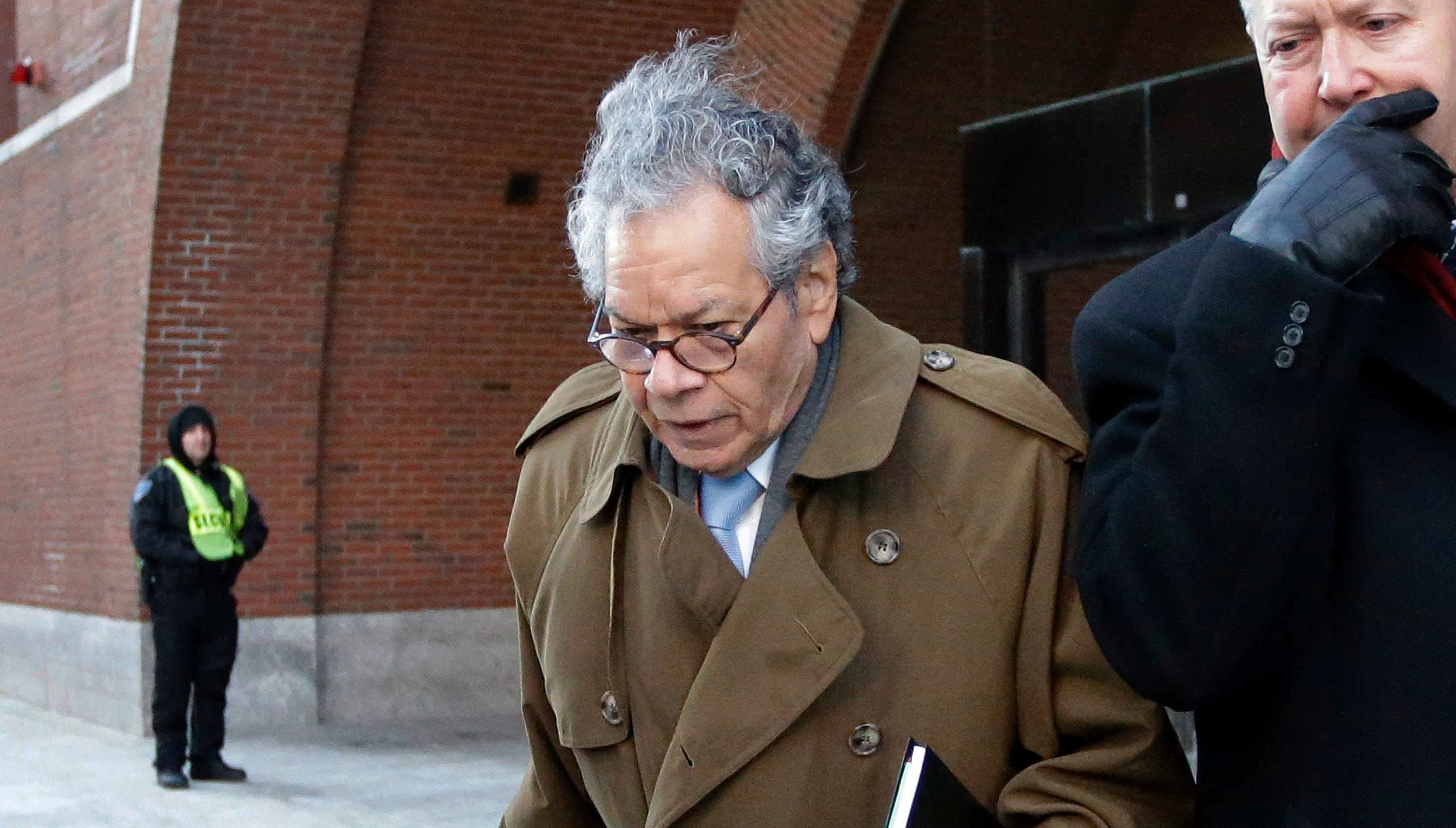 Insys Therapeutics CEO John Kapoor, 4 other execs found guilty in fentanyl bribery case thumbnail