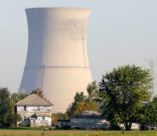 """FirstEnergy Solutions' Davis-Besse Nuclear Power Station in Ohio is scheduled to close in May 2020. Ohio lawmakers are considering a $300 million """"clean energy"""" bill that would rescue the plant and another in Ohio from closure."""