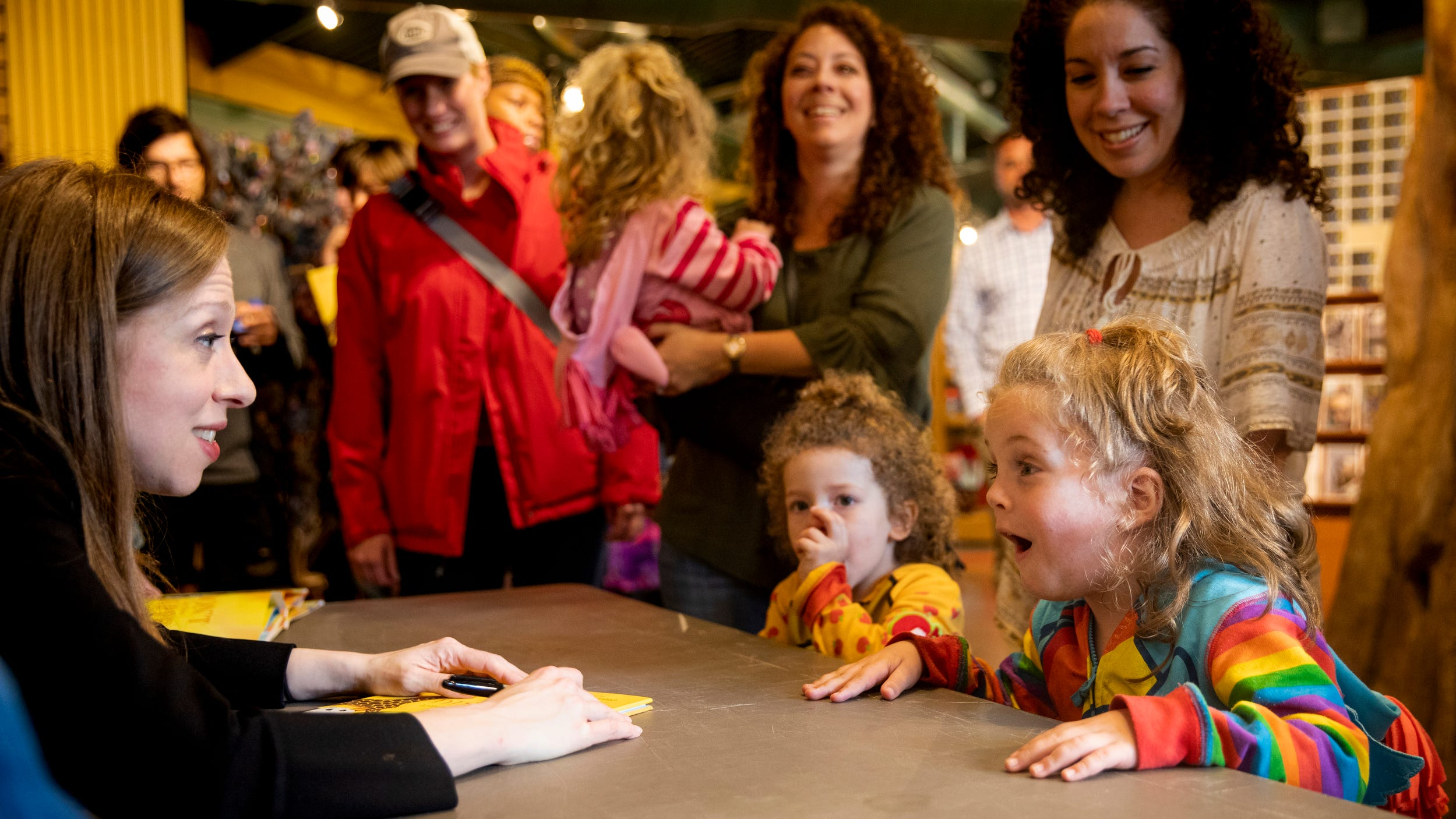 PHOTOS: Chelsea Clinton signs her new book at the Cincinnati Zoo
