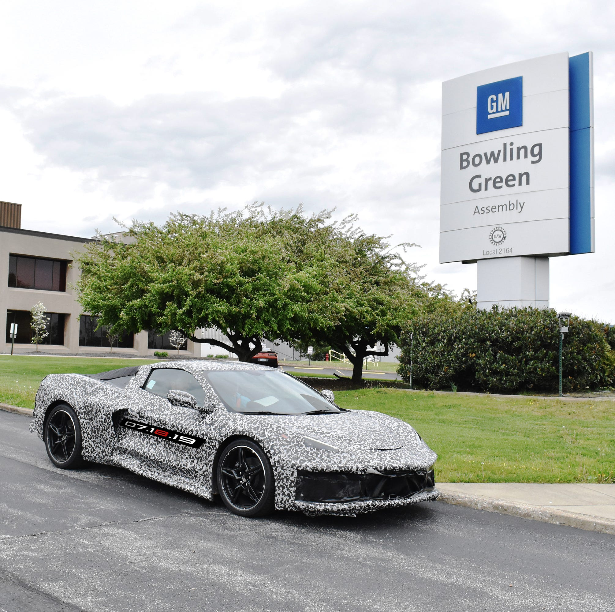 GM adding 400 jobs in Kentucky for mid-engine Corvette