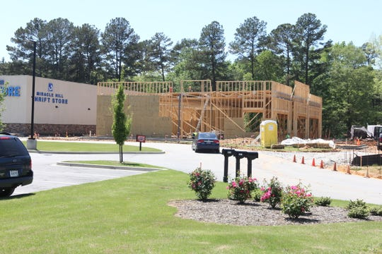 A new Starbucks is coming to Powdersville.