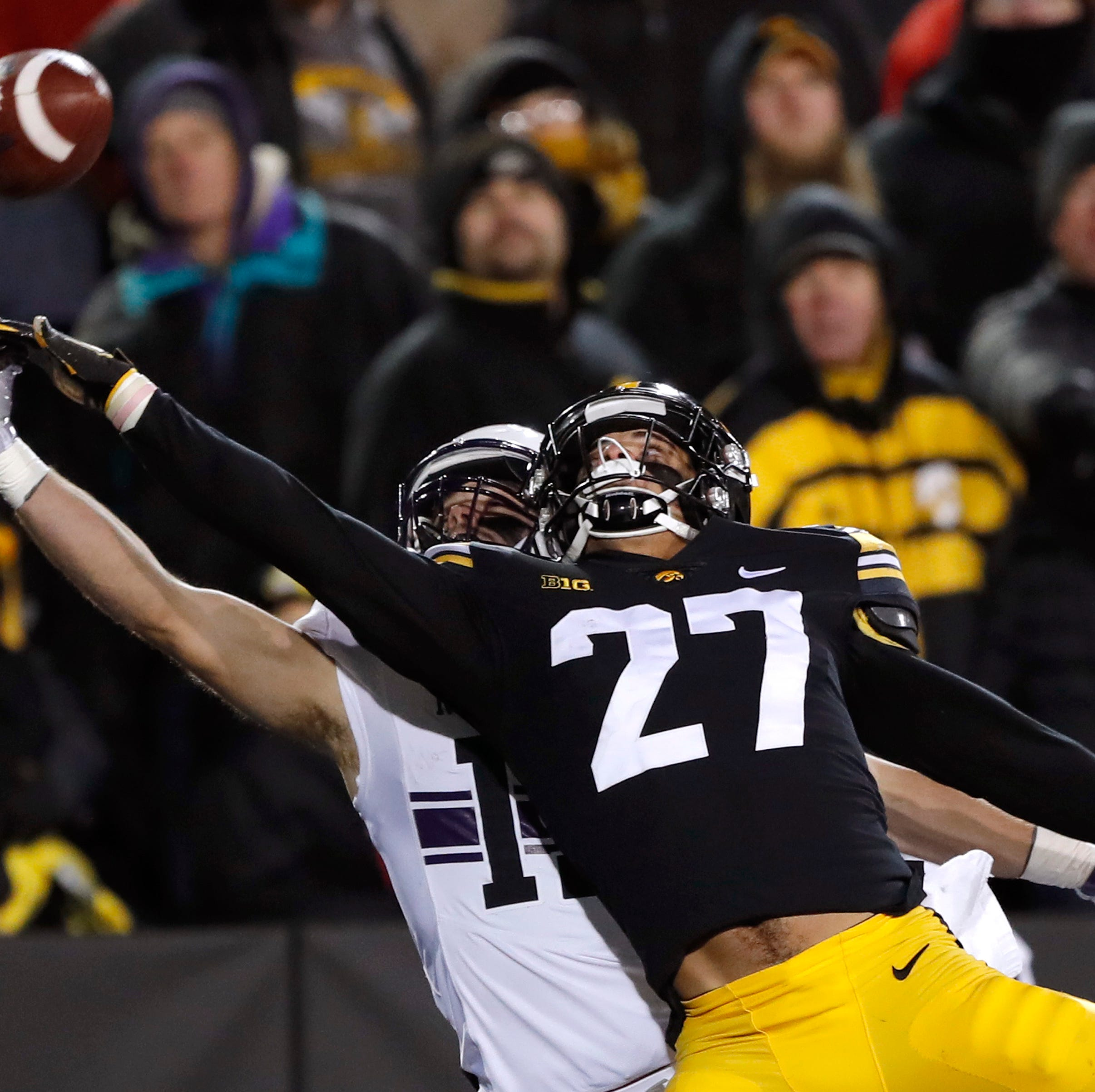 Titans move up to select Iowa defensive back Amani Hooker in fourth round