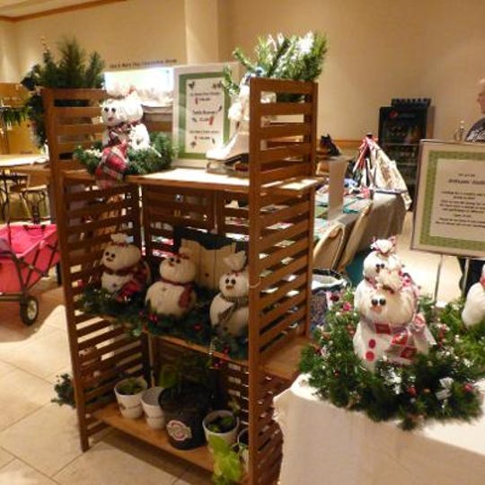 The Artisans' Guild's work is annually displayed and sold at the Eco-Art Show at the Marion Palace Theatre. The Guilddonates all of the proceeds from their booth to Marion's homeless shelters. In 2018, that donation was $1,700.