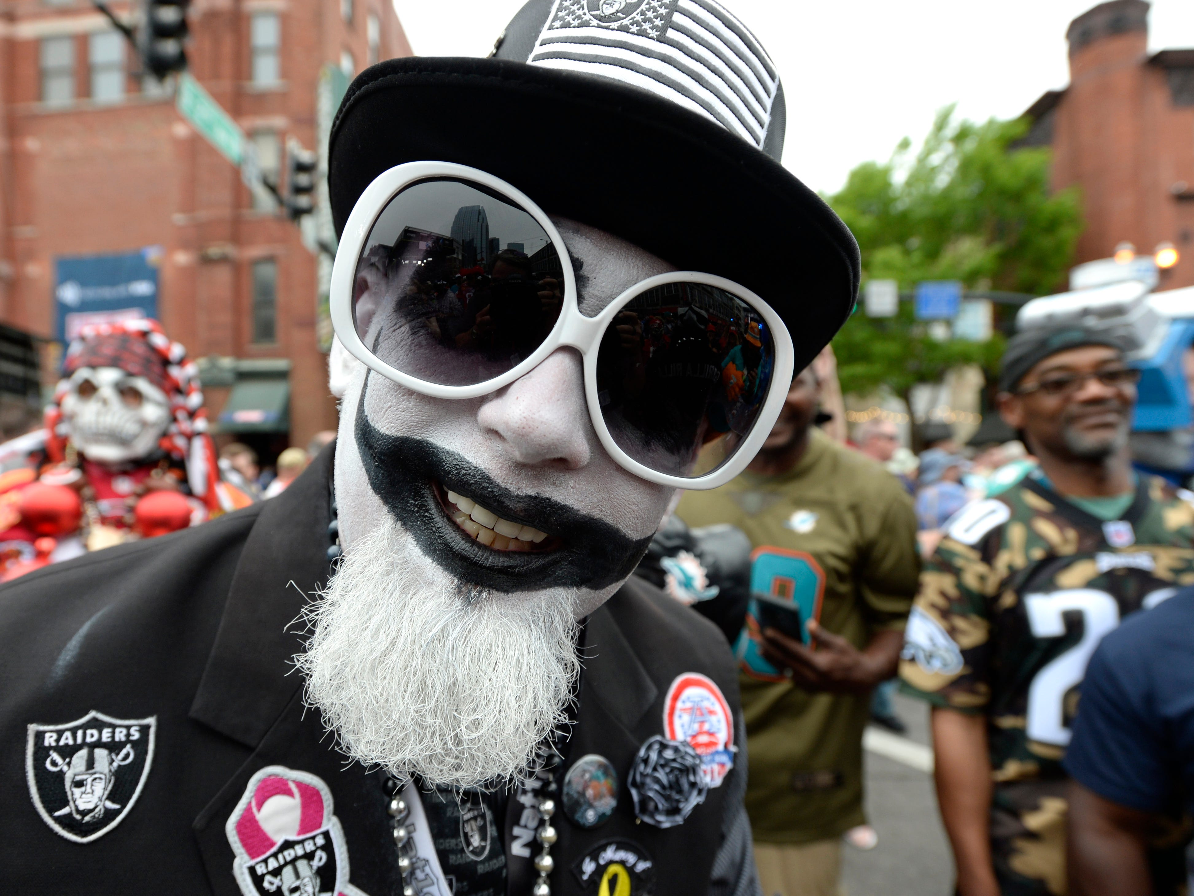 An Oakland fan is ready for the start of the  first round of the NFL Draft Thursday, April 25, 2019 in Nashville, Tenn.